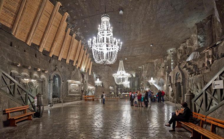 Pod powierzchnią: 9 cudownych podziemnych miast