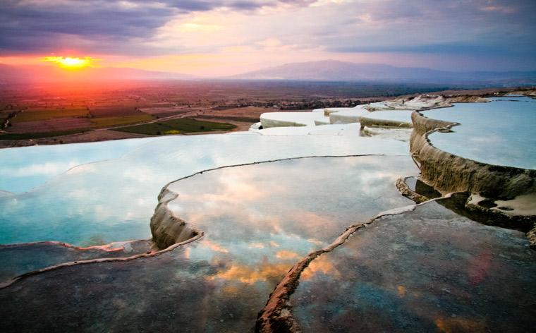 Nie z tego świata: odwiedź niezwykłe miejsca na Ziemi