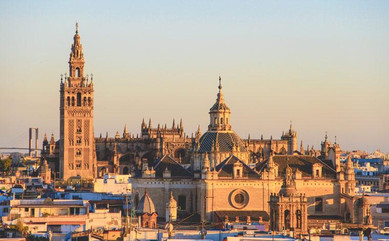 Sekrety Sewilli: przewodnik po stolicy Andaluzji