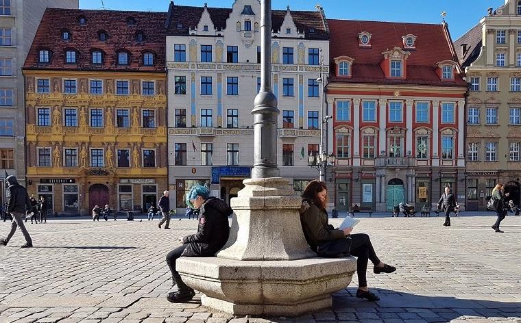 Co zobaczyć we Wrocławiu: krasnale, neony i inne atrakcje