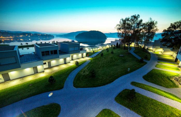 Lemon Resort SPA położony na brzegu jeziora Rożnowskiego samym widokiem zachęca do relaksu @Lemon Resort Spa